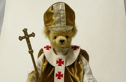 bear with pope hat